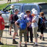 Zweiter Wandertag: Gleich geht's los. Das Geländetaxi mit Gruppe 3 ist schon in Aktion.