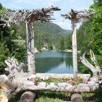 nach der Wanderung durch eine kühle Schlucht: Blick auf den Smeraldo-See